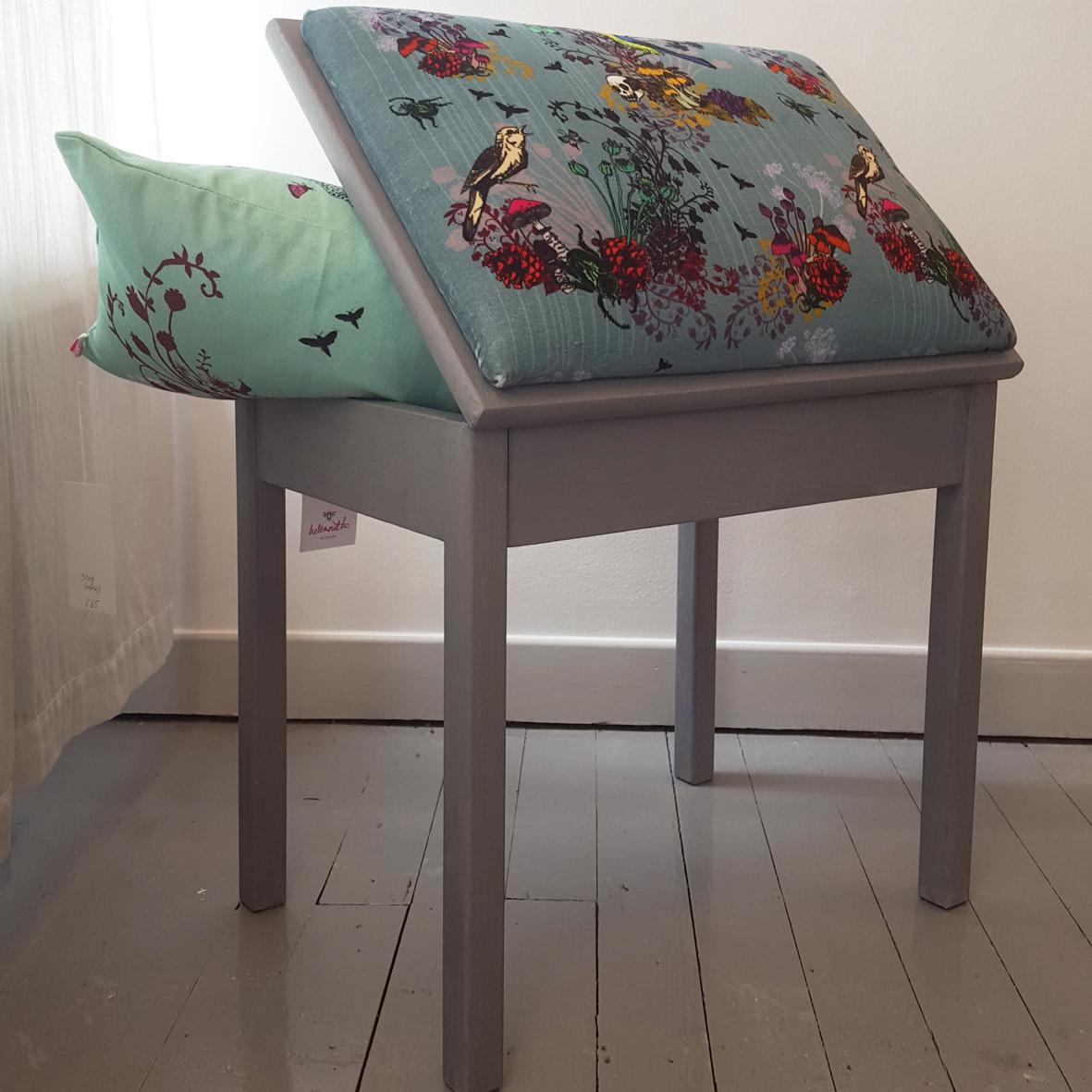 piano-stool